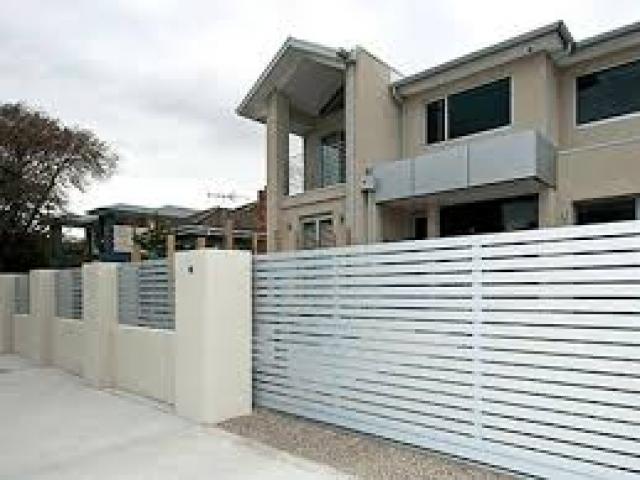 Recinzioni case moderne recinzione da giardino in for Recinzioni per ville moderne