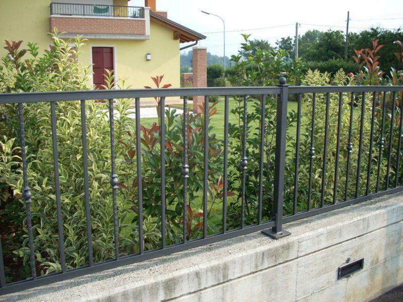 Recinzioni classiche serrmetal for Immagini recinzioni